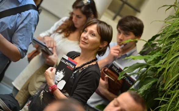 Nicola Zingaretti Palazzo Incontro accoglie Valentina, l'eroina del fumetto creata da Crepax